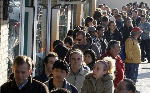 ΙΝΕ ΓΣΕΕ: Στο 34% η ανεργία έως το 2016