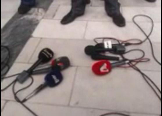 Οι δημοσιογράφοι έβαλαν «πάγο» στον Κασιδιάρη
