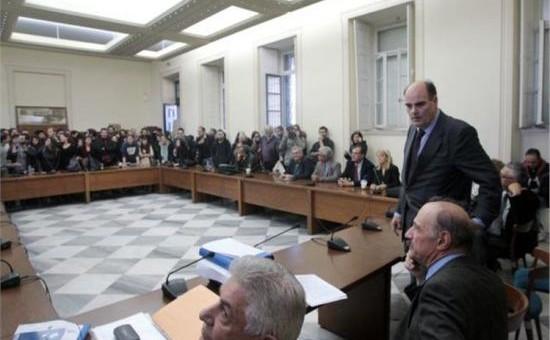 Φοιτητές διέκοψαν τη συνεδρίαση της συγκλήτου στο Πανεπιστήμιο Αθηνών