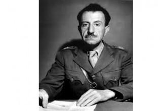 Ως εάν να μην υπήρξε ο στρατηγός Στέφανος Σαράφης επικεφαλής του Γενικού Στρατηγείου του ΕΛΑΣ…