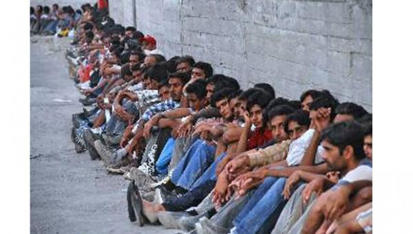 Δεν θα συλλαμβάνονται οι μετανάστες που εισέρχονται στη χώρα