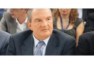 «Παρανοϊκή ακόμη και η σκέψη για Grexit»