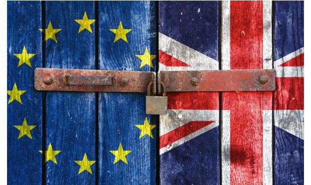 Το 50% θέλει να μείνει, το υπόλοιπο 50% επιθυμεί Brexit