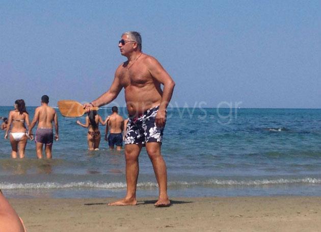 Χανιά: Ο Πατούλης, η γυναίκα του και το αυτοκίνητο της ΔΕΔΙΣΑ στο Cabana Mare