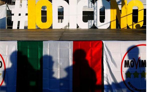 Oι Ιταλοί αδειάζουν τους τραπεζικούς λογαρισμούς